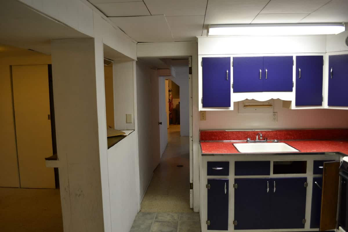 Basement renewal in oak park il barts remodeling chicago il for Renew old kitchen cabinets